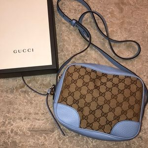GUCCI CROSSBODY CANVAS WITH GOLD AND BLUE DETAIL
